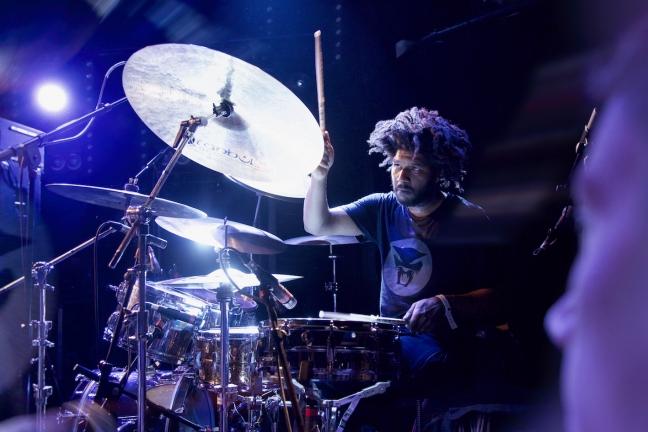 Justin Brown, batteur de Thundercat, au Trabendo (2017)